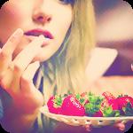 Аватар Девушка ест из тарелки клубнику