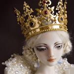 Аватар Грустная кукла, с короной на голове