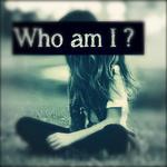 Аватар Девушка сидит на траве (Who am I? / Кто я)