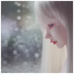 Аватар Плачущая девушка-кукла с белыми волосами