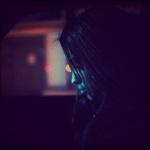 99px.ru аватар Девушка едет в машине, опустив голову