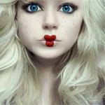 Аватар Блондинка с кукольным макияжем
