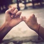 Аватар Две руки сплетены мизинцами