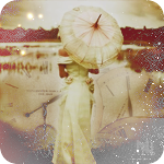 Аватар Девушка в длинном платье с зонтом в руках на берегу озера