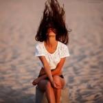 Аватар Девушка с длинными волосами, закрывающими ее лицо, ву Denis Gruba