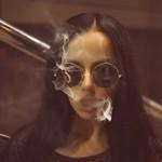 Аватар Девушка, пускающая дым из-зо рта, ву Denis Gruba