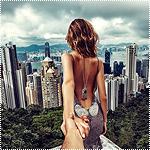 Аватар Модель Наталья Захарова, держит за руку фотографа Мурада Османна, серия фотография Следуй за мной. Китай, Гонконг