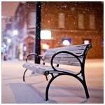 99px.ru аватар Заснеженная лавочка на городской улице