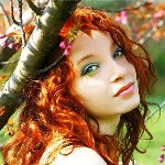 99px.ru аватар Рыжеволосая девушки среди веток