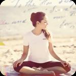 Аватар Девушка сидит на пляже в позе йога