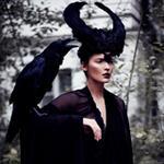 Аватар Девушка с черным вороном