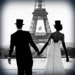 Аватар Мужчина и девушка в цилиндрах на фоне Эйфелевой башни / Eiffel tower, Париж / Paris
