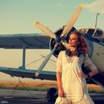 Аватар Девушка стоит перед самолетом, фотограф Андрей Селиванов