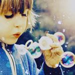 Аватар Девочка с мыльными пузырями