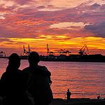 Аватар Влюбленные сидят у воды и любуются закатом, ву naruo0720
