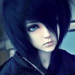 Аватар Кукольное личико с пирсингом на губе и челкой, закрывающей глаз