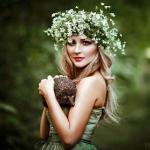 Аватар Девушка в венке и с ежиком в руках, фотограаф Светлана Беляева
