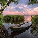 99px.ru аватар Заброшенная лодка у берега
