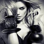 Аватар Девушка в крупных браслетах на руках, прикрывает лицо волосами