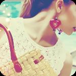 Аватар Девушка с серьгами в форме сердца