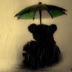 Аватар Мишка с зонтом сидит под дождем