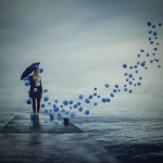 Аватар Девушка с зонтиком стоит на пирсе и смотрит на улетающие синие шарики, by Federico Sciula