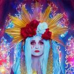 Аватар Дива с ярким головным украшением