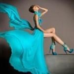 Аватар Девушка в голубом платье и босоножках