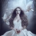 Аватар Вампирша в окружении голубей