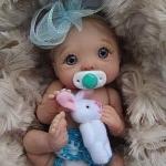 Аватар Кукла малыш с игрушкой