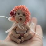 Аватар Кукольный малыш в цветочной шапочке