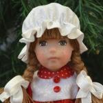 Аватар Девушка кукла в чепчике