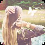 Аватар Девушка, стоя у реки, поправляет руками волосы
