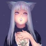 Аватар Белокурая нэко-девушка с медальоном на шее на фоне ночного неба