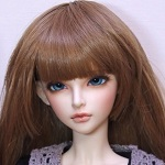 Аватар Кукольное личико с синими глазами и длинной челкой