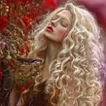 Аватар Девушка-блондинка со змеей в руке, фотограф Agnieszka Lorek