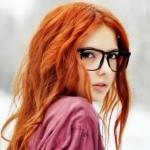 Аватар Девушка с рыжими волосами в очках
