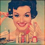 Аватар Девушка с темными волосами демонстрирует косметику