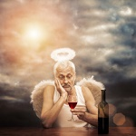 Аватар Старик - ангел с ореолом над головой с бокалом вина