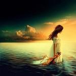 Аватар Девушка со скрипкой стоит в воде, by Nellena