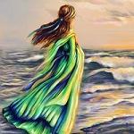Аватар Девушка в зеленом платье стоит на фоне моря