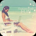 Аватар Девушка в шезлонге с ноутбуком на коленях на фоне моря