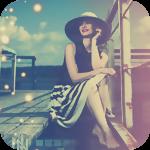 Аватар Девушка в шляпе сидит на морском пирсе