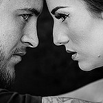 Аватар Девушка и парень смотрят друг другу в глаза, фотограф Luc G