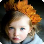 Аватар Маленькая девочка с венком из осенних листьев на голове