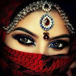 Аватар Девушка в хиджабе с карими глазами с тиарой на лбу