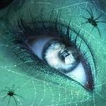 Аватар Человеческий глаз в паучей сетке