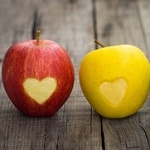 Аватар Красное и желтое яблоки с сердечками