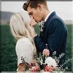 Аватар Парень целует девушку