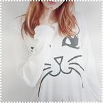 Аватар Девушка в кофте с кошачьей мордой